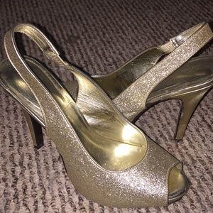 SPARKLY GOLD OPEN TOE HEELS